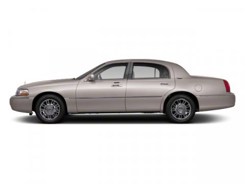 View Lincoln Town Car details