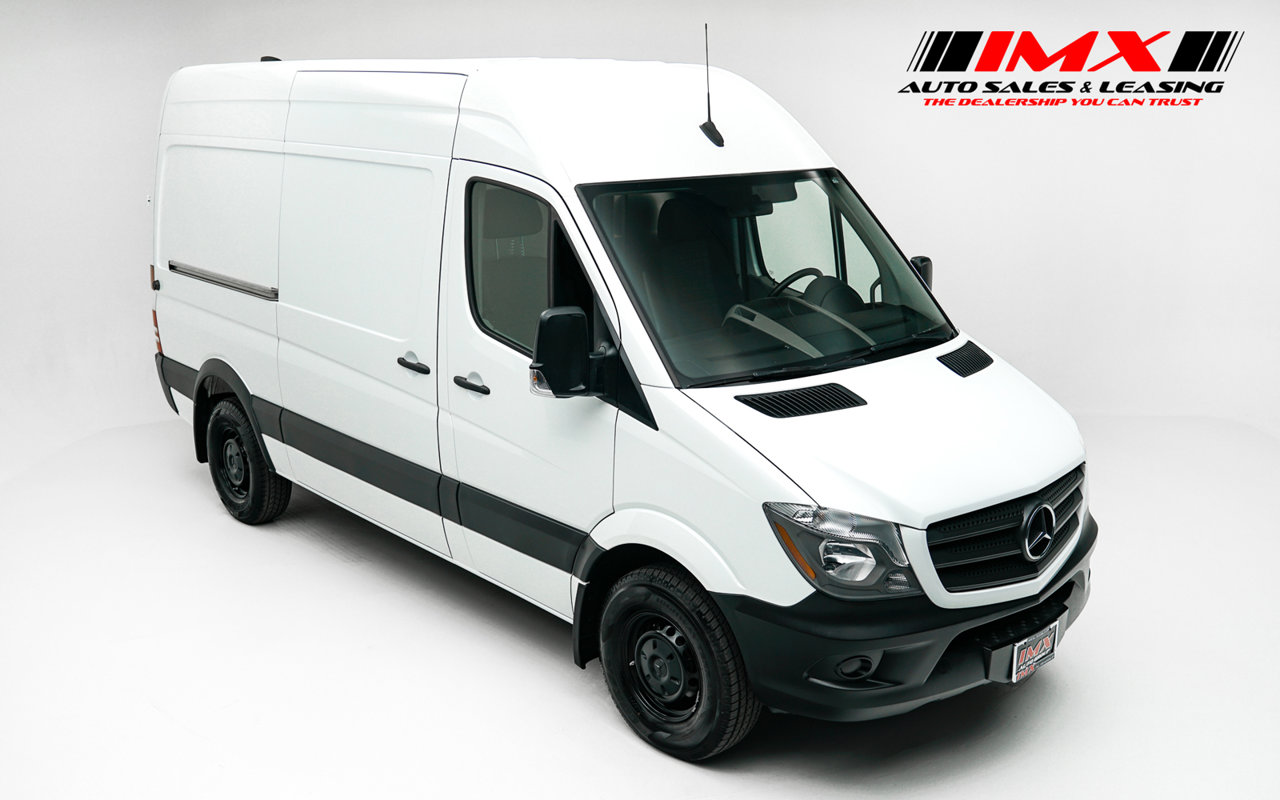 2018 Mercedes-Benz Sprinter Cargo Van 2500 Standard Roof V6 144″ RWD Intercooled Turbo Diesel V-6 3.0 L/182 [1]