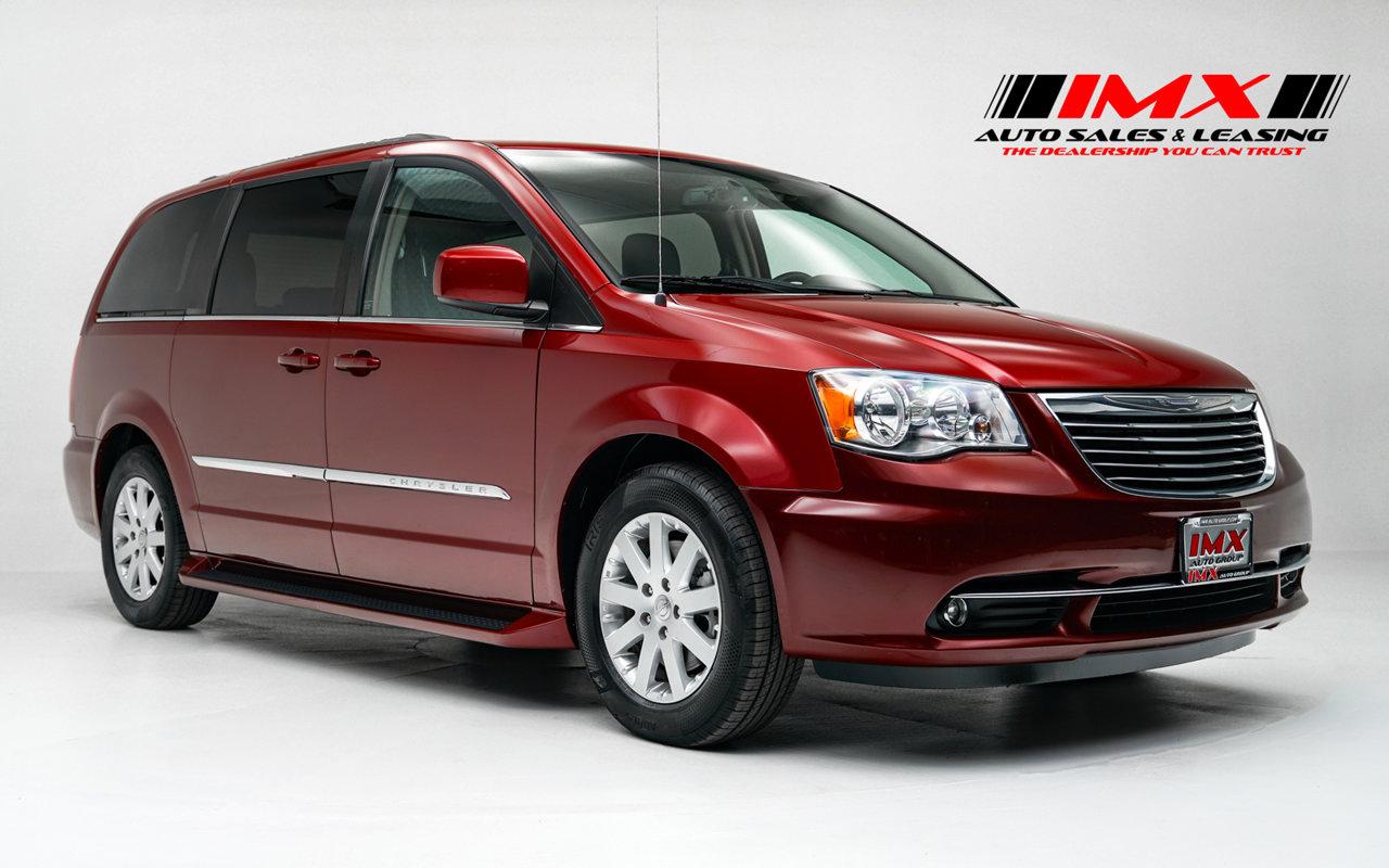 2015 Chrysler Town & Country Touring 4dr Wgn Touring Regular Unleaded V-6 3.6 L/220 [1]