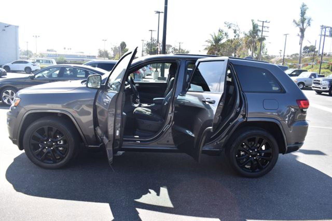 Used 2018 Jeep Grand Cherokee in Ventura, CA