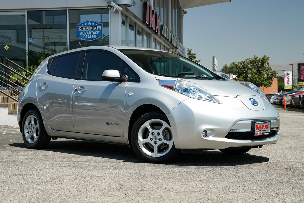 Nissan Dealership Los Angeles >> 2011 Nissan Leaf For Sale Near Studio City Ca Serving Los