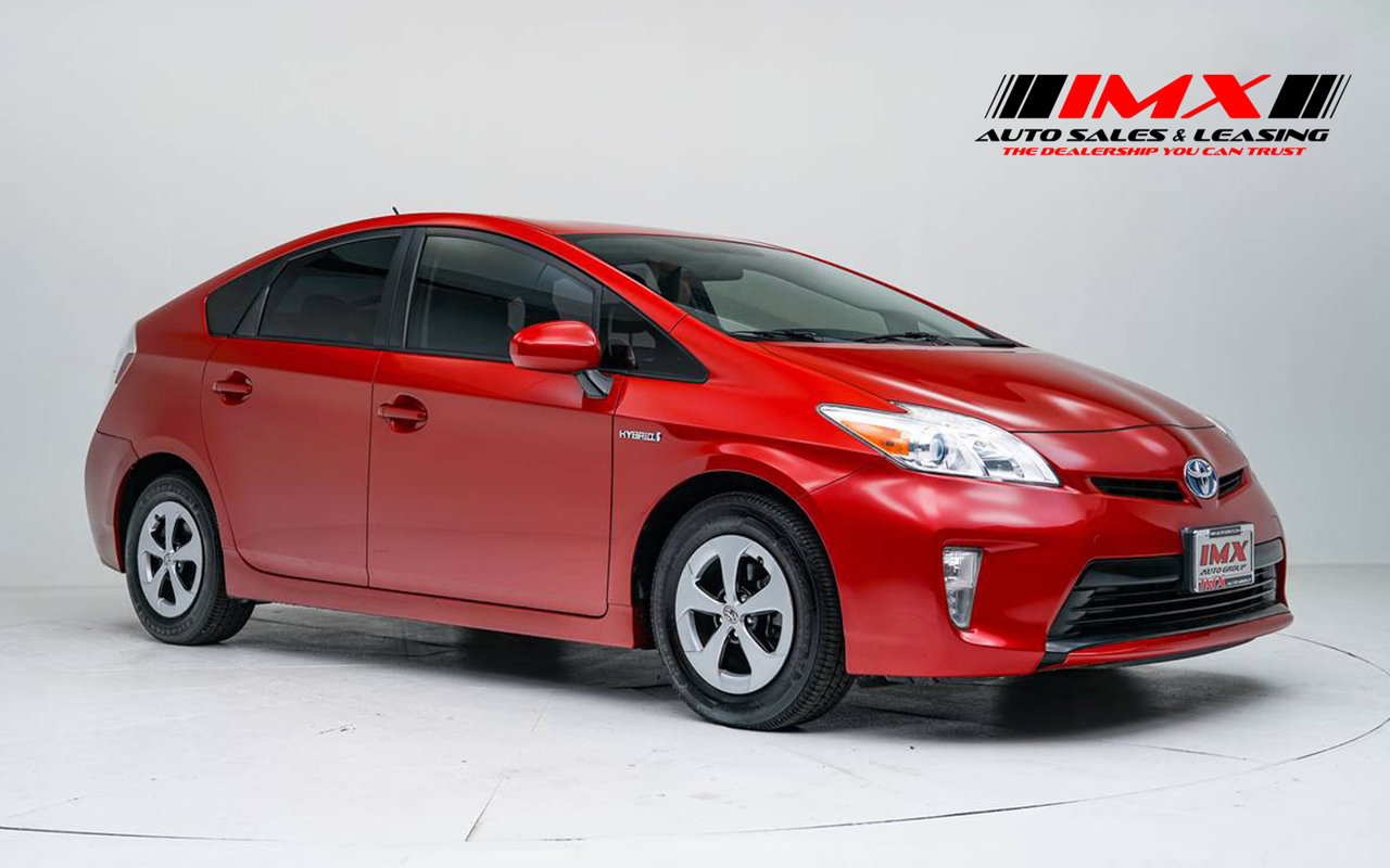 2015 Toyota Prius Three 5dr HB Three Gas/Electric I-4 1.8 L/110 [2]
