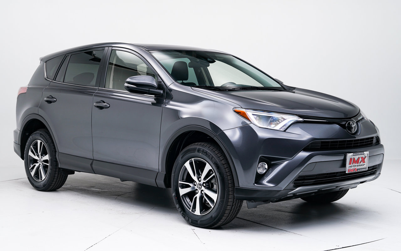 2018 Toyota RAV4 XLE XLE FWD Regular Unleaded I-4 2.5 L/152 [0]