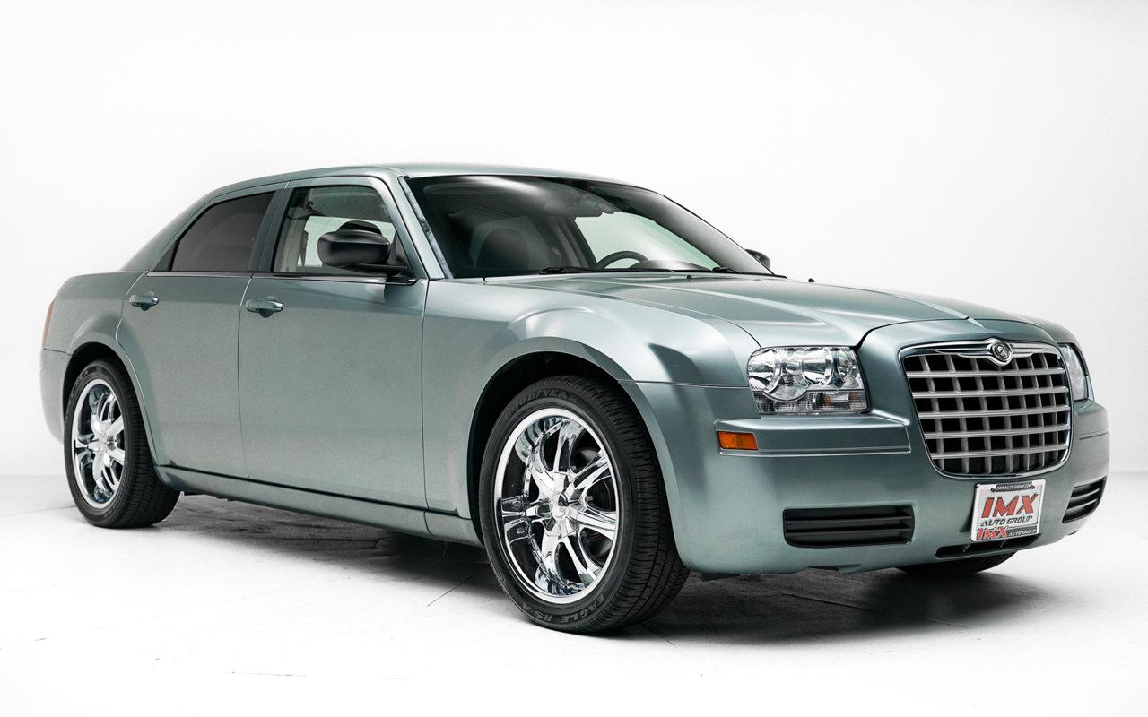 2007 Chrysler 300 4dr Sdn 300 RWD Gas V6 2.7L/165 [0]