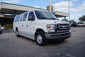 2014 Ford Econoline Passenger Van XLT