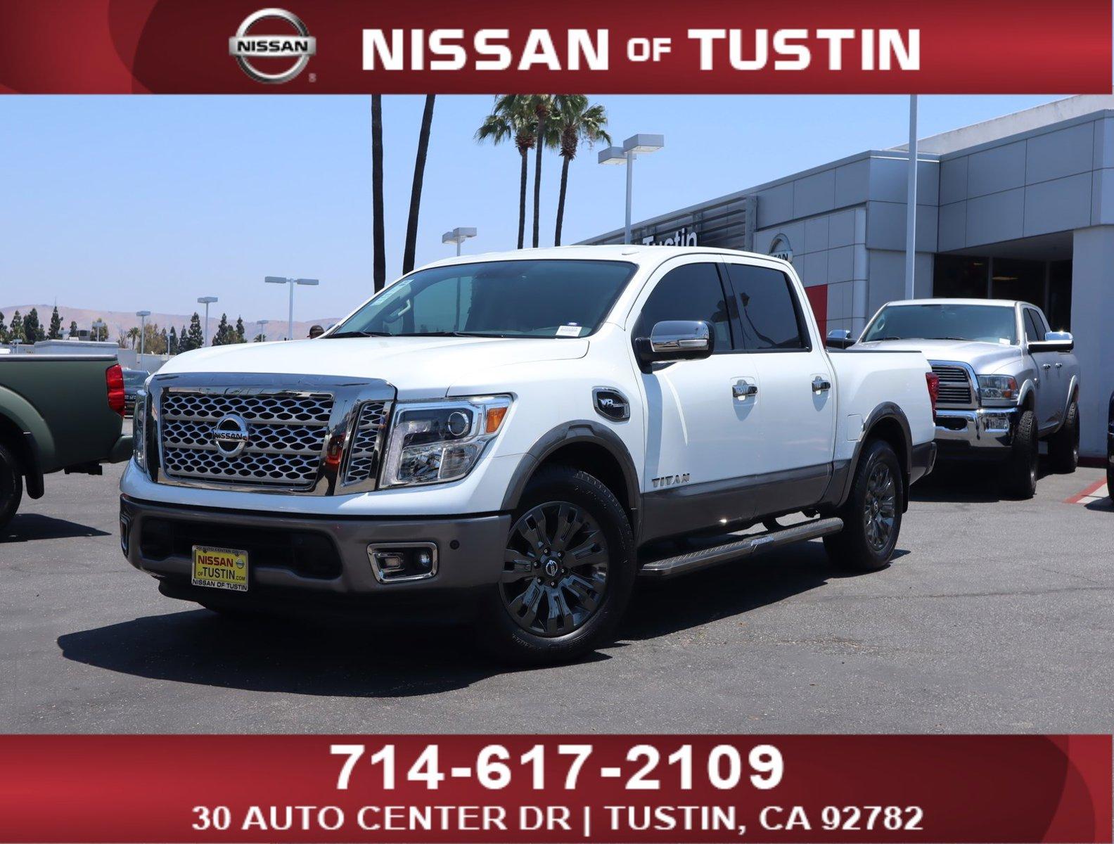 2017 Nissan Titan Platinum Reserve 4x2 Crew Cab Platinum Reserve Regular Unleaded V-8 5.6 L/339 [0]