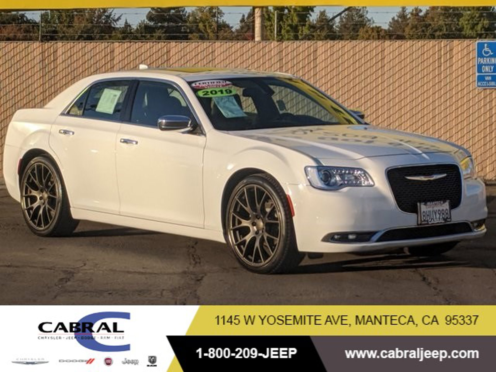 2019 Chrysler 300 Limited Limited RWD Regular Unleaded V-6 3.6 L/220 [0]