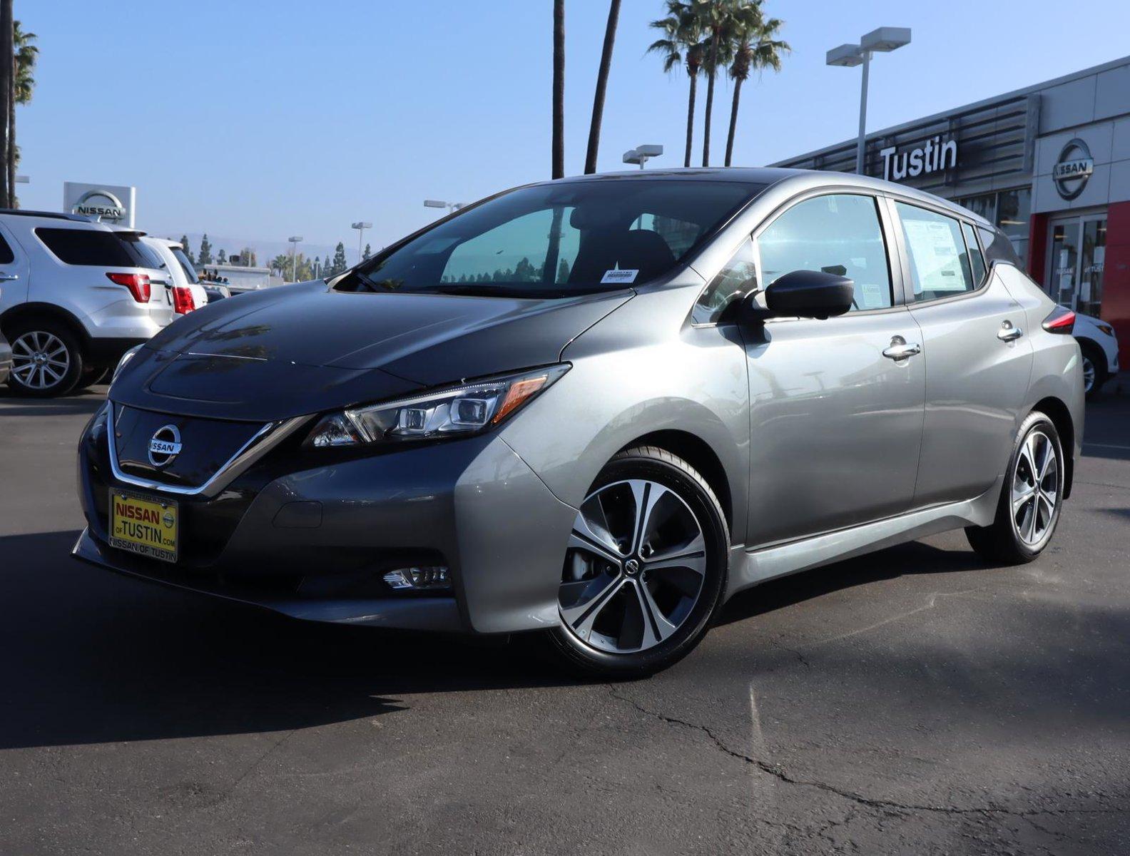 2020 Nissan LEAF SV SV Hatchback Electric [0]