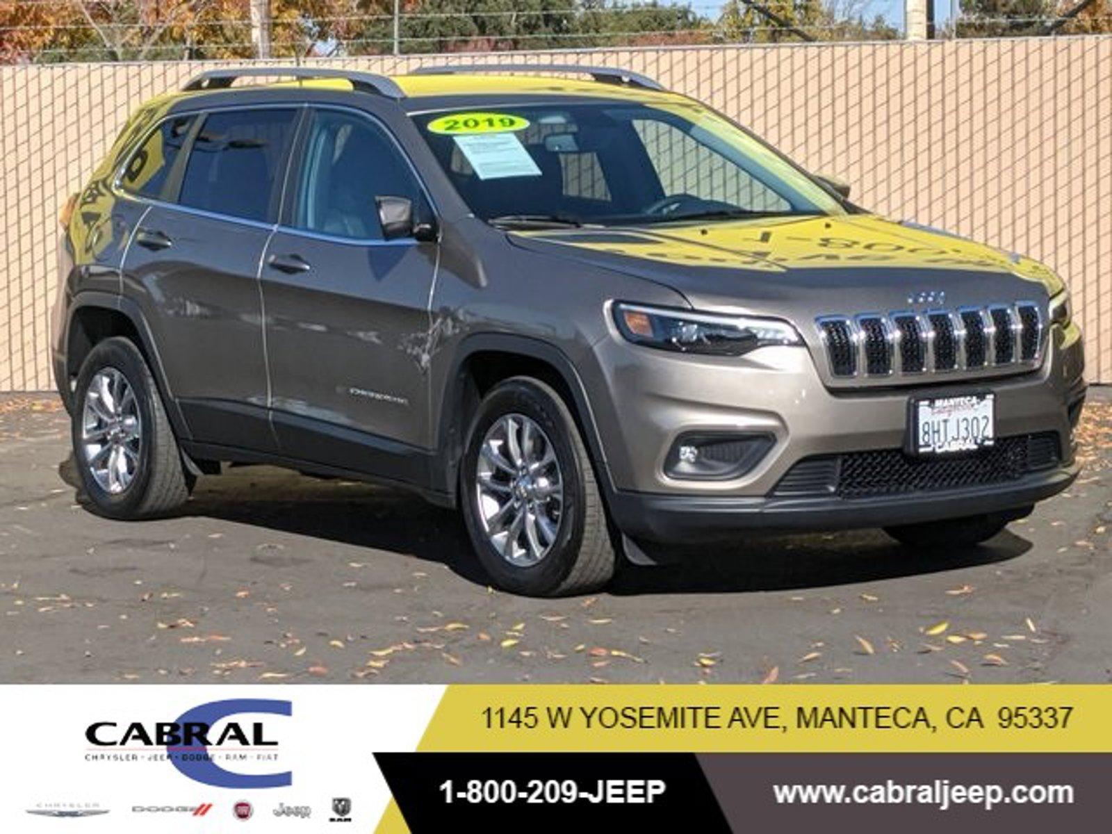 2019 Jeep Cherokee Latitude Plus Latitude Plus FWD Intercooled Turbo Premium Unleaded I-4 2.0 L/122 [0]