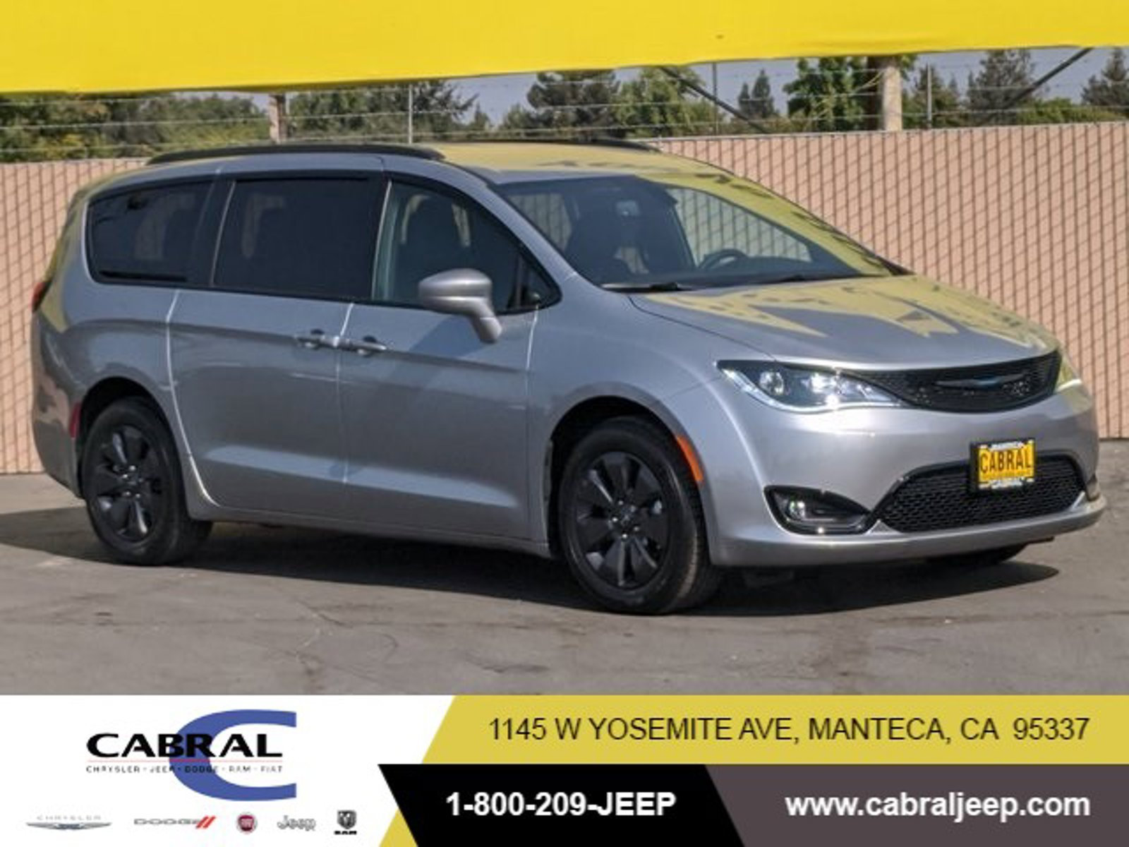 2020 Chrysler Pacifica Hybrid Touring L Hybrid Touring L FWD Gas/Electric V-6 3.6 L/220 [0]