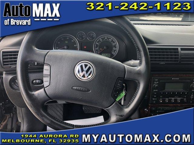 2003 Volkswagen Passat 4dr Car