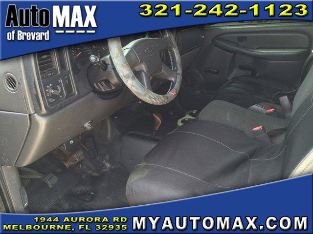 2004 Chevrolet Silverado 2500HD Extended Cab Pickup