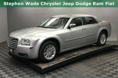 2010-Chrysler-300-Touring