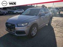 2019-Audi-Q5-2.0T-Premium