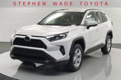 2020-Toyota-RAV4-XLE