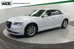 2017-Chrysler-300-Limited