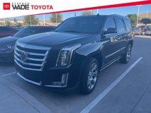 2015-Cadillac-Escalade-Premium