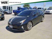 2016-Toyota-Prius-Three-Touring