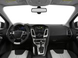 2014-Ford-Focus-SE