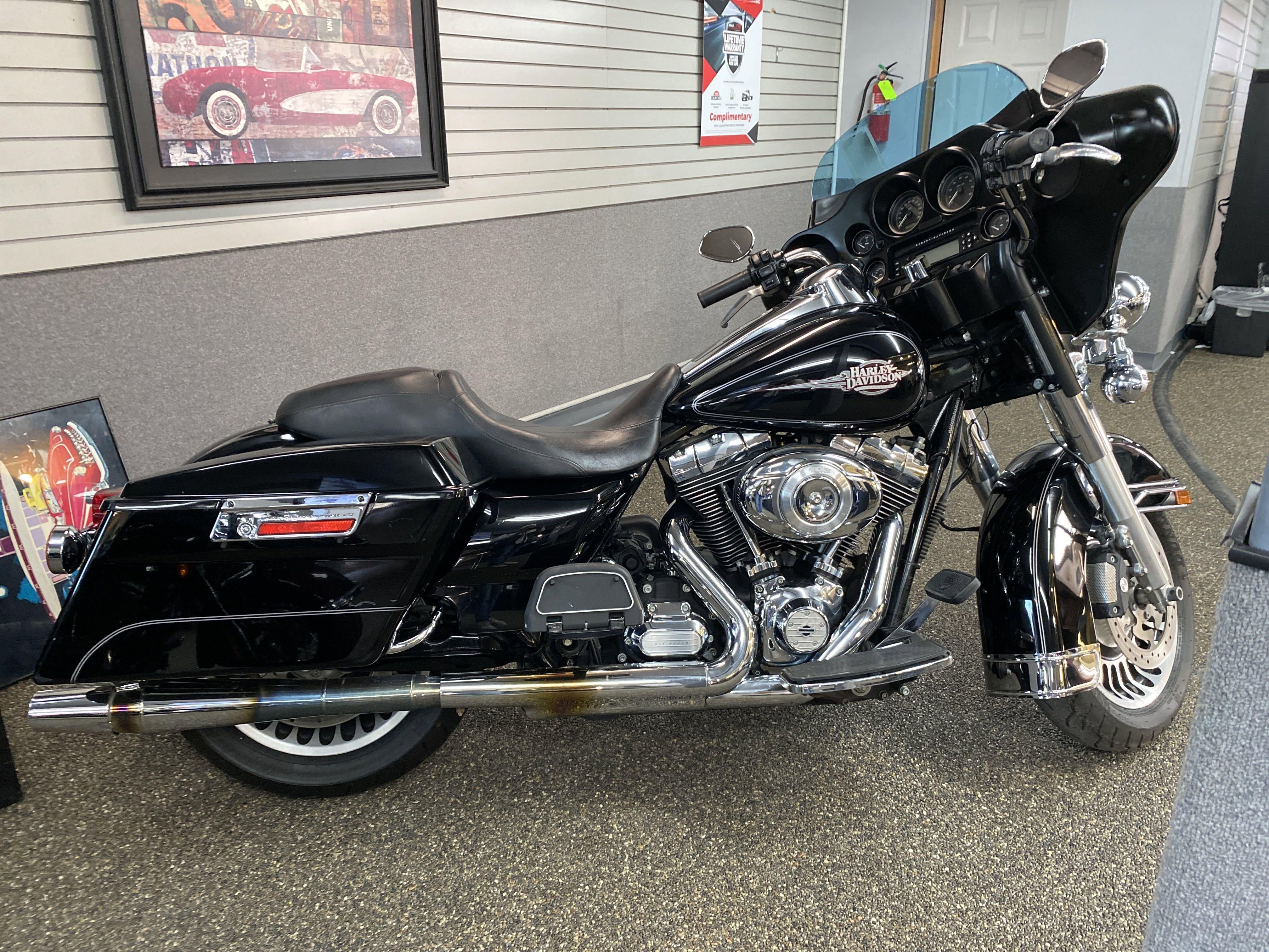 2012 Harley-Davidson FLHTC FLHTC
