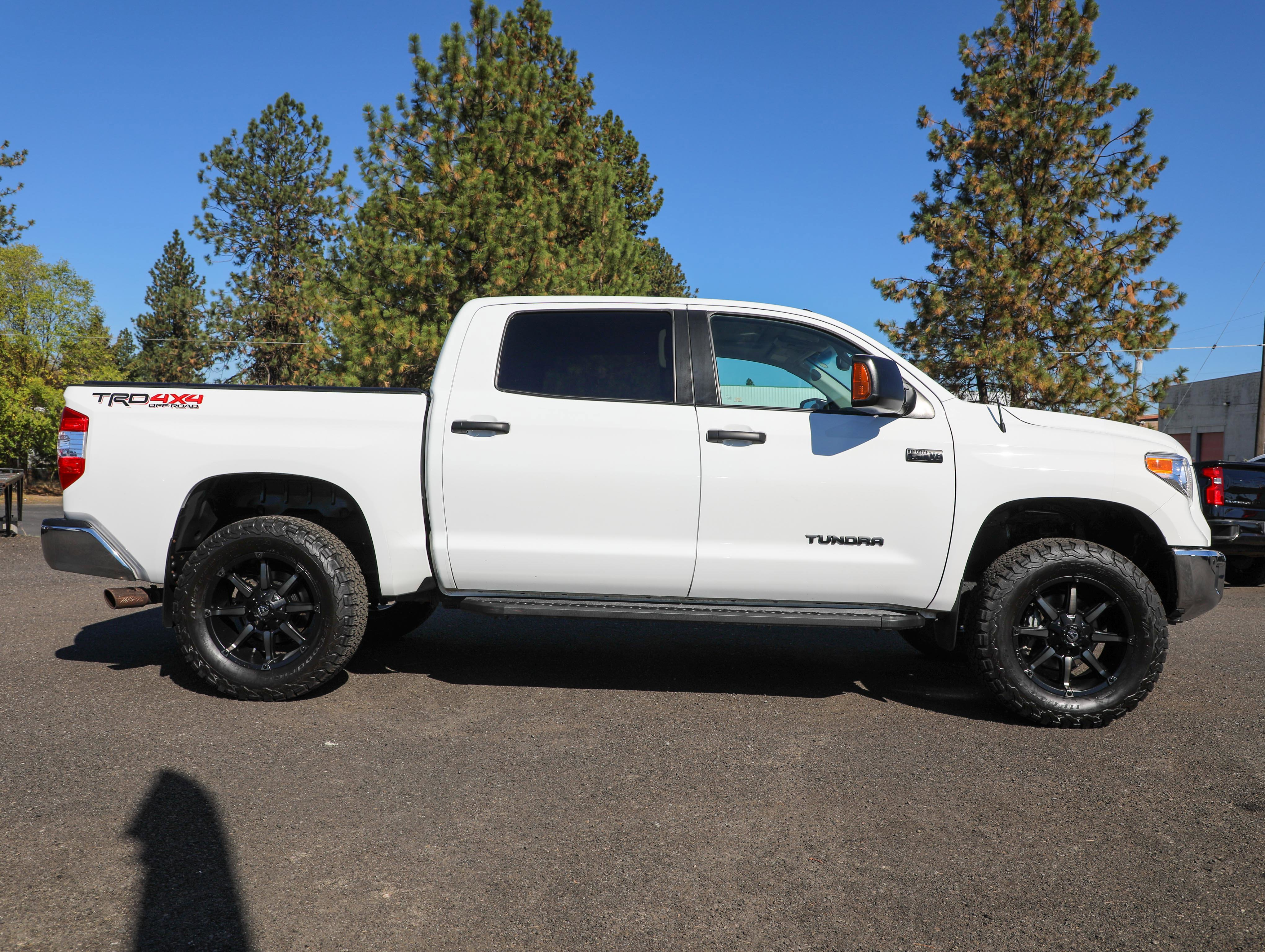 2017 Toyota Tundra 4WD TRD PRO CREWMAX FULLY LOADED