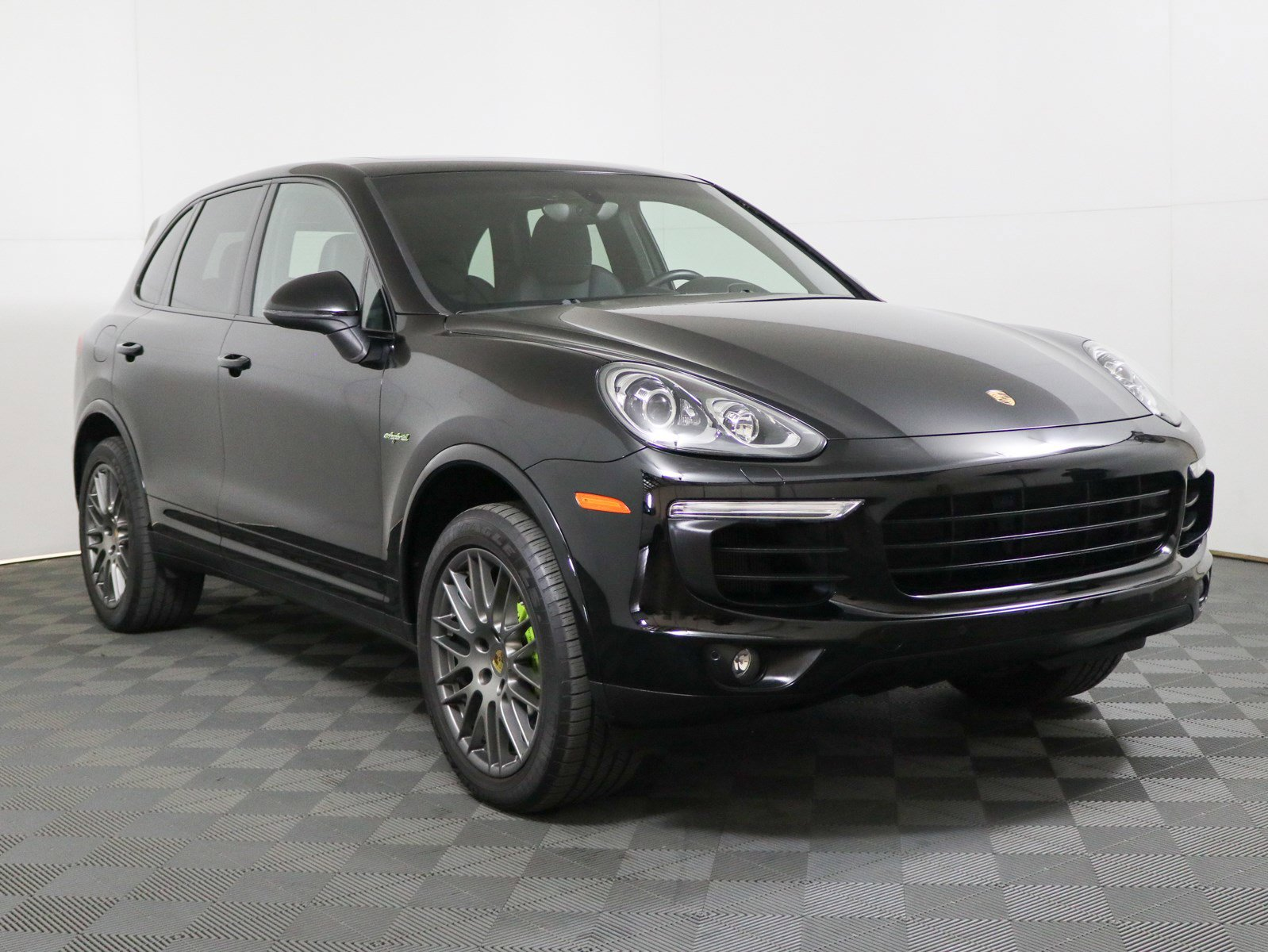 Certified Pre-Owned 2017 Porsche Cayenne S E-Hybrid Platinum Edition