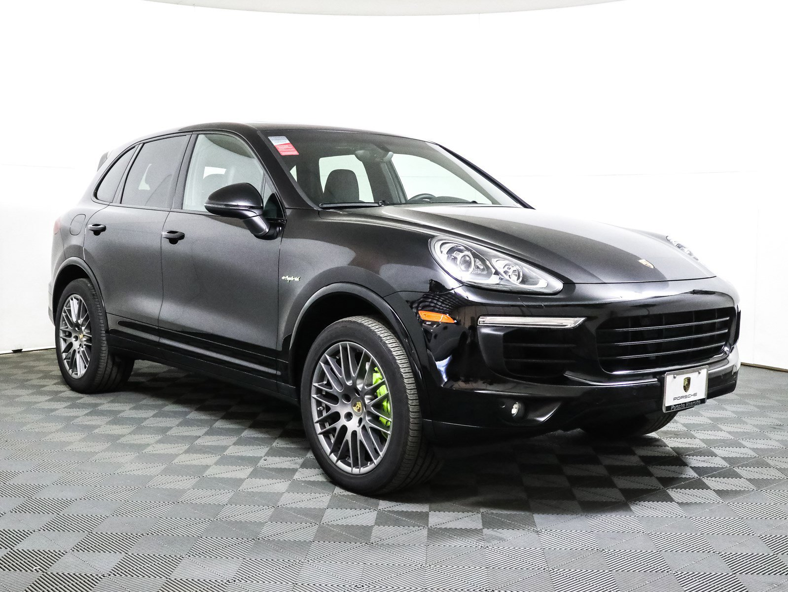 Certified Pre-Owned 2018 Porsche Cayenne S E-Hybrid Platinum Edition