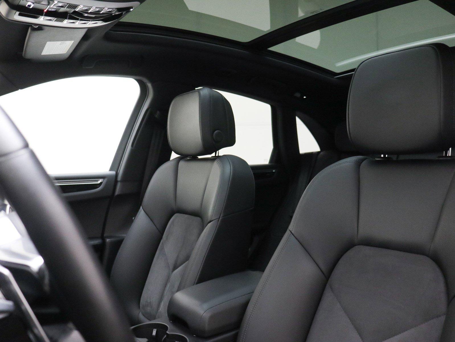 Certified Pre-Owned 2017 Porsche Macan