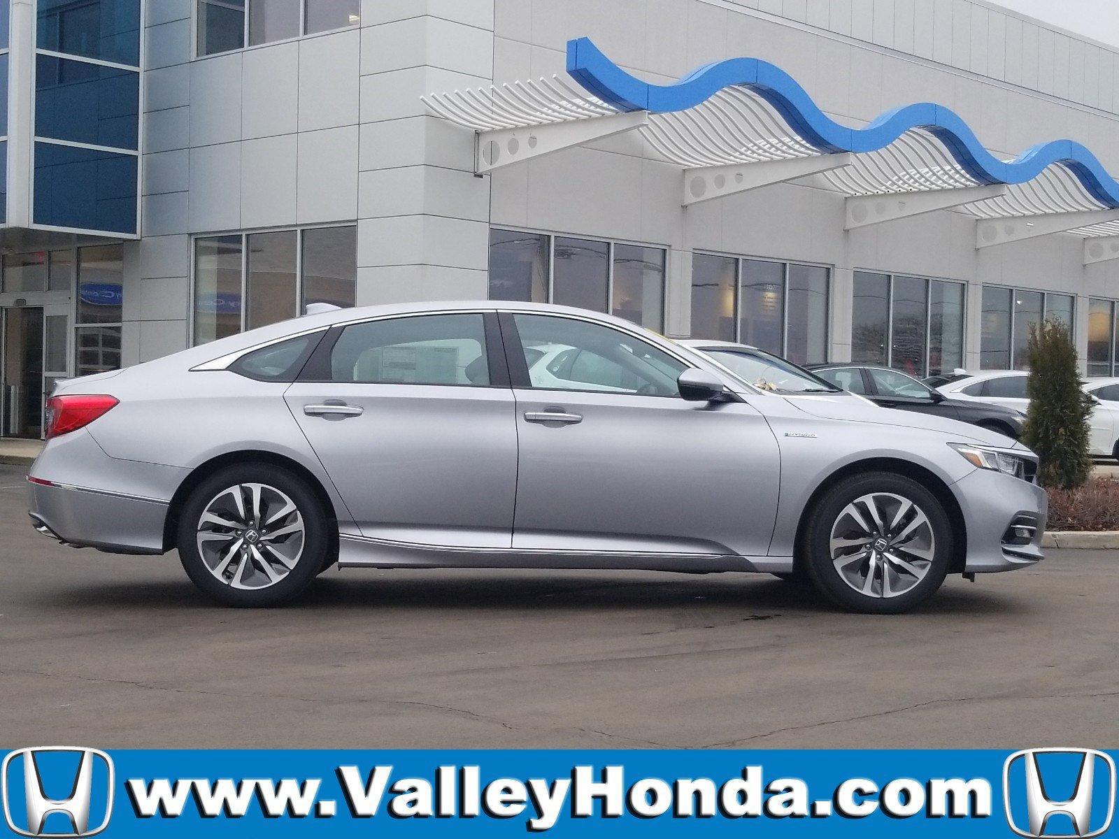 Pre-Owned 2019 Honda Accord Hybrid Touring Sedan