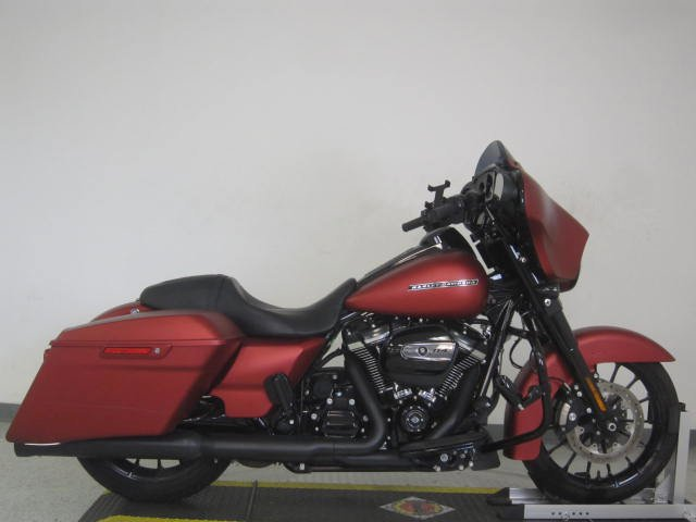 Pre-Owned 2019 Harley-Davidson Street Glide Special FLHXS