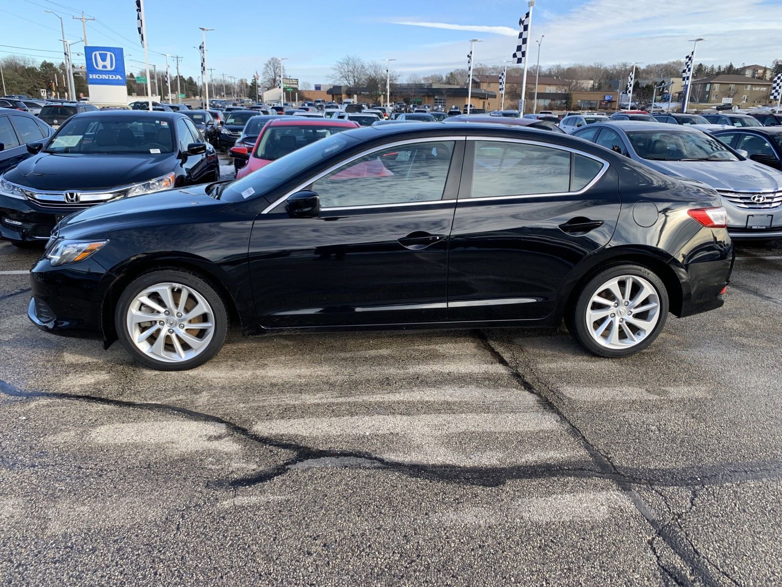 Pre-Owned 2017 Acura ILX 4DR SDN