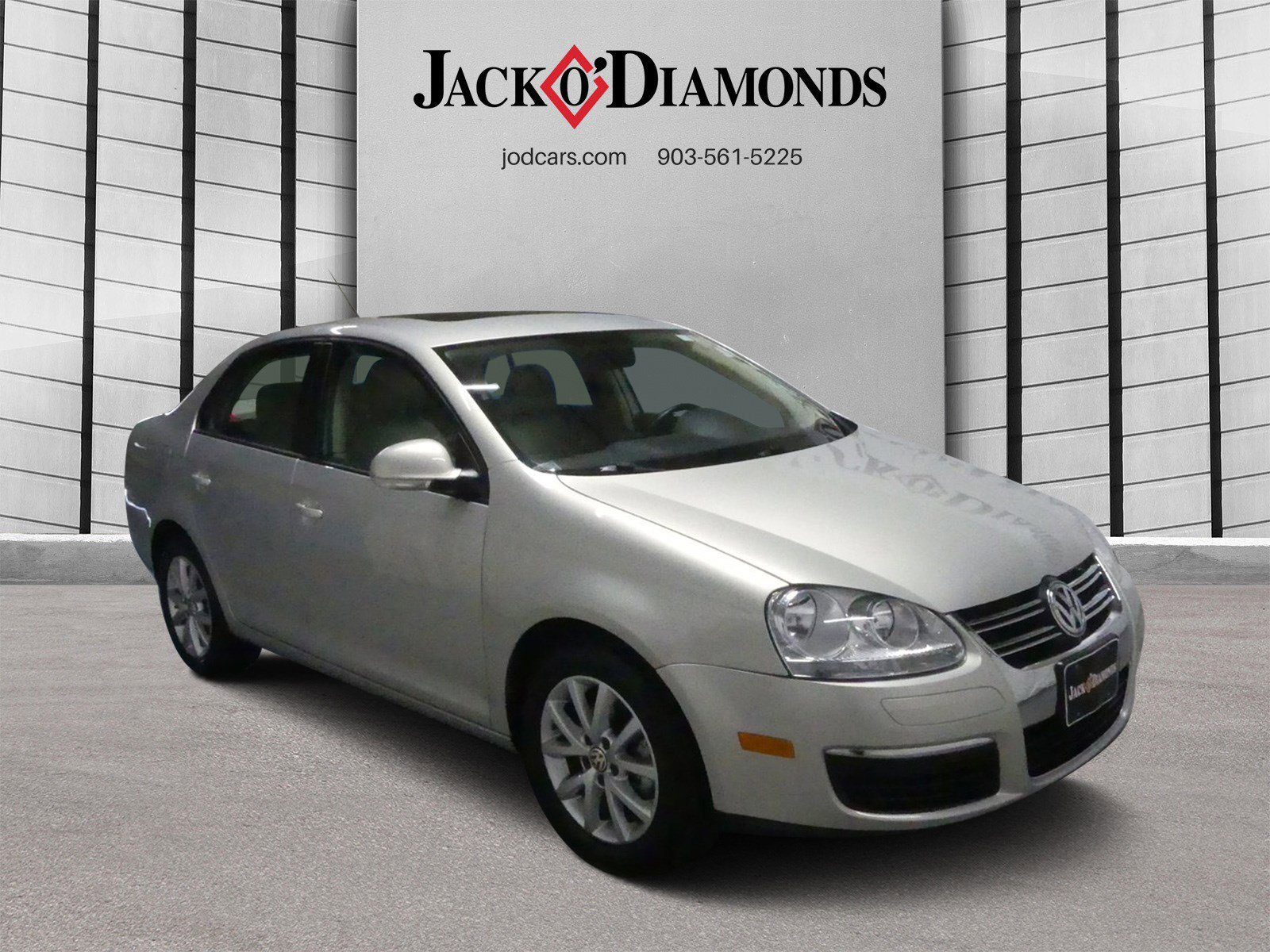 Pre-Owned 2010 Volkswagen Jetta Sedan SEL