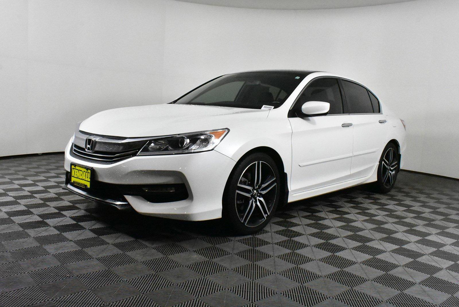 Pre-Owned 2017 Honda Accord Sedan Sport SE