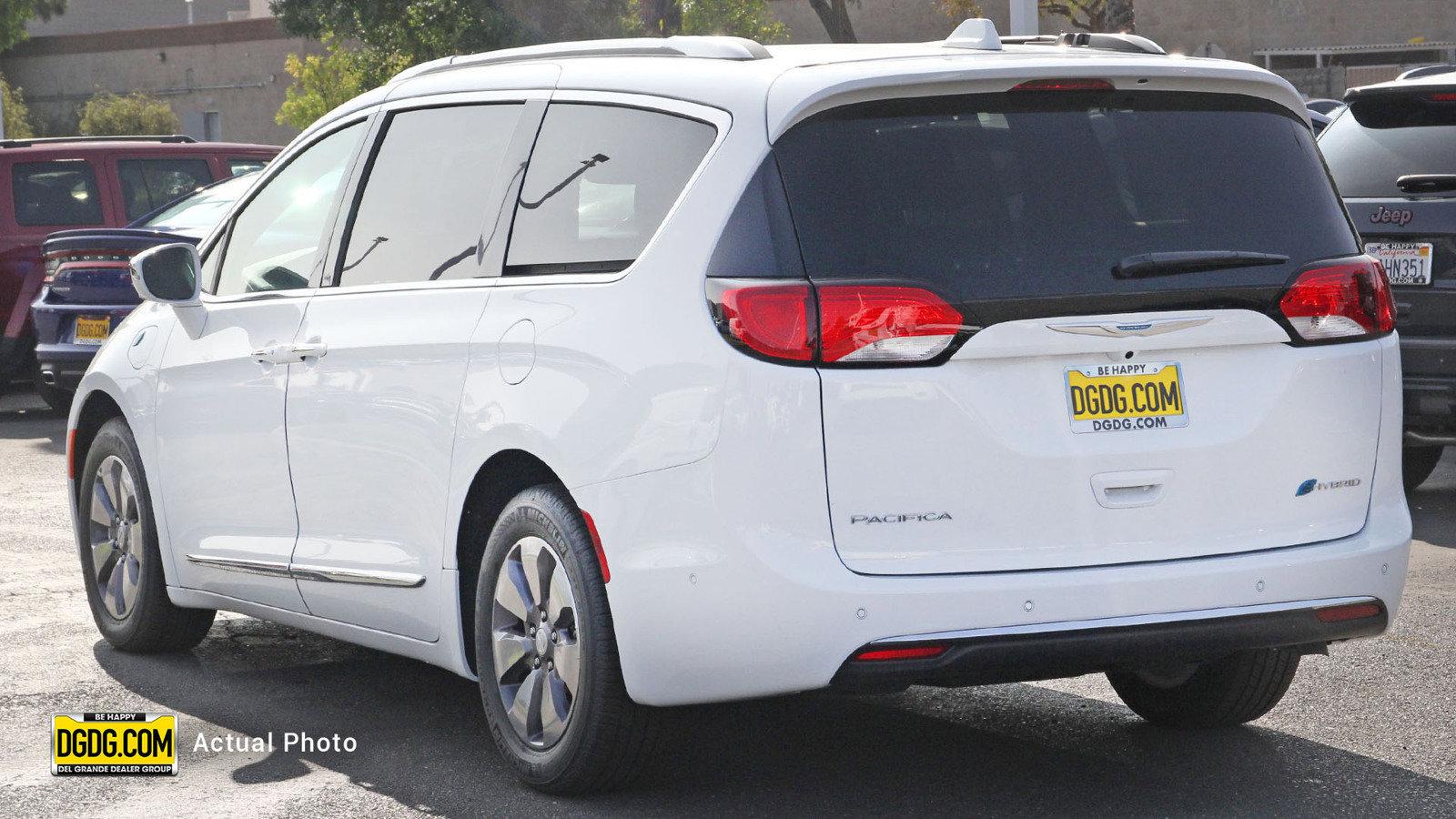 New 2020 CHRYSLER Pacifica Hybrid Hybrid Limited