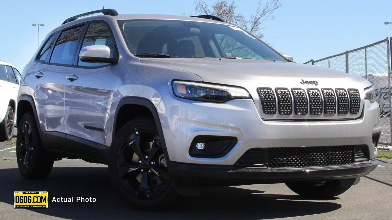 New 2019 Jeep Cherokee Altitude