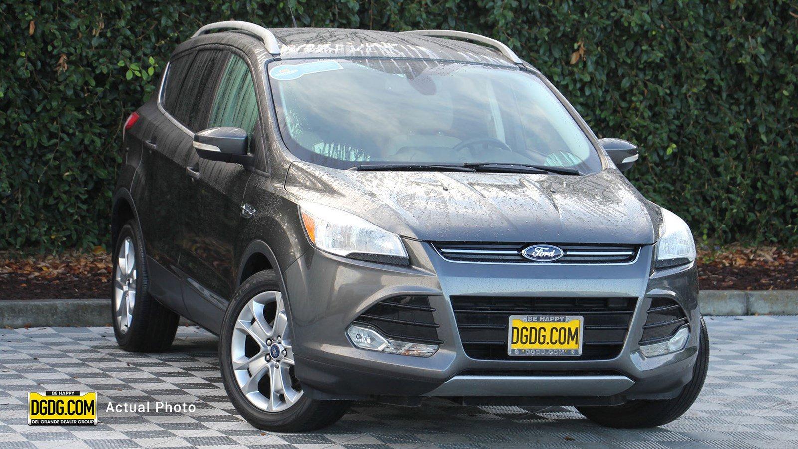 "2015 Ford<br/><span class=""vdp-trim"">Escape Titanium FWD 4D Sport Utility</span>"