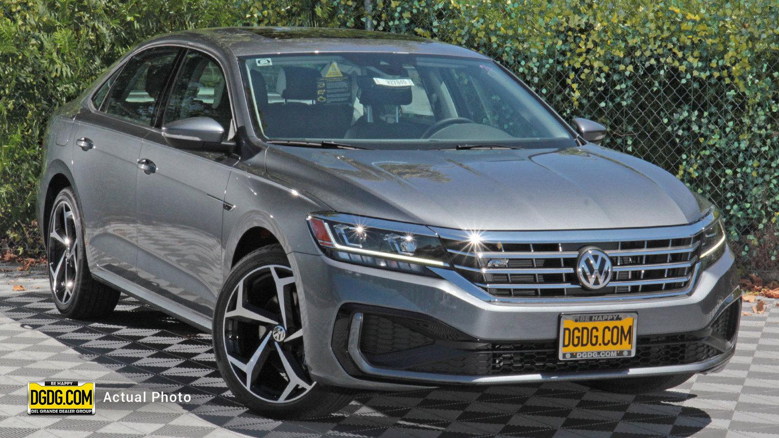 New 2020 Volkswagen Passat 2.0T R-Line