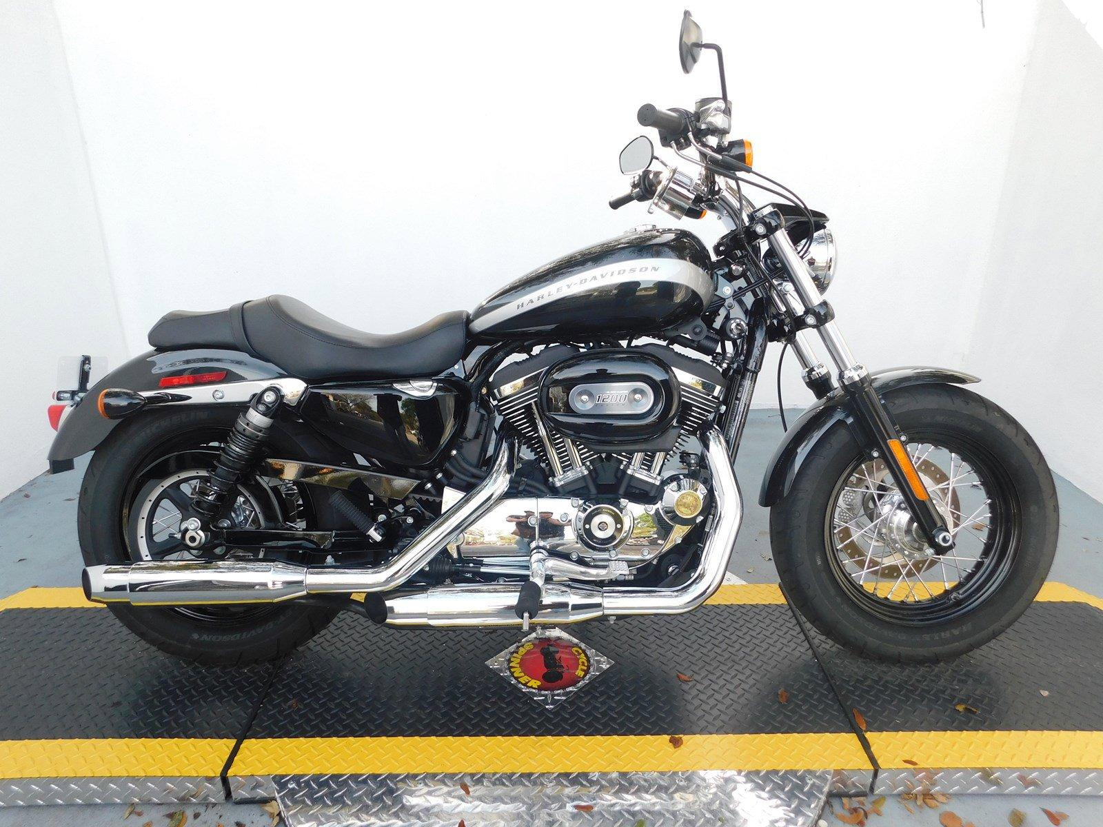 Pre Owned 2018 Harley Davidson Sportster 1200 Custom Xl1200c