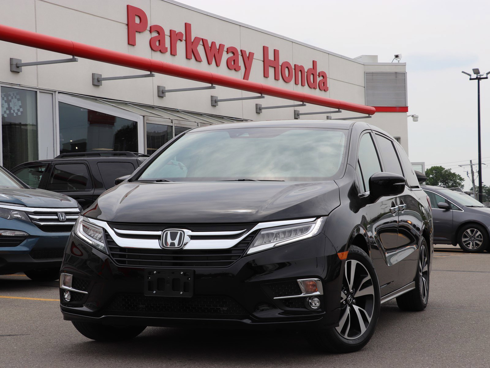 Pre-Owned 2018 Honda Odyssey Touring With Navigation