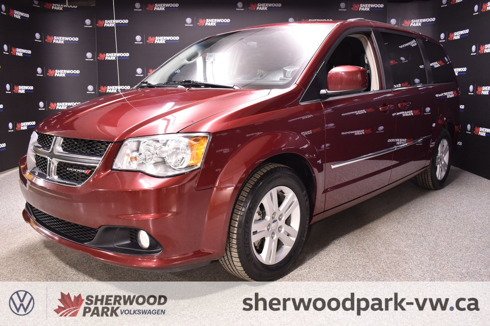 Pre-Owned 2017 Dodge Grand Caravan Crew *Top Condition - STOW & GO!!*