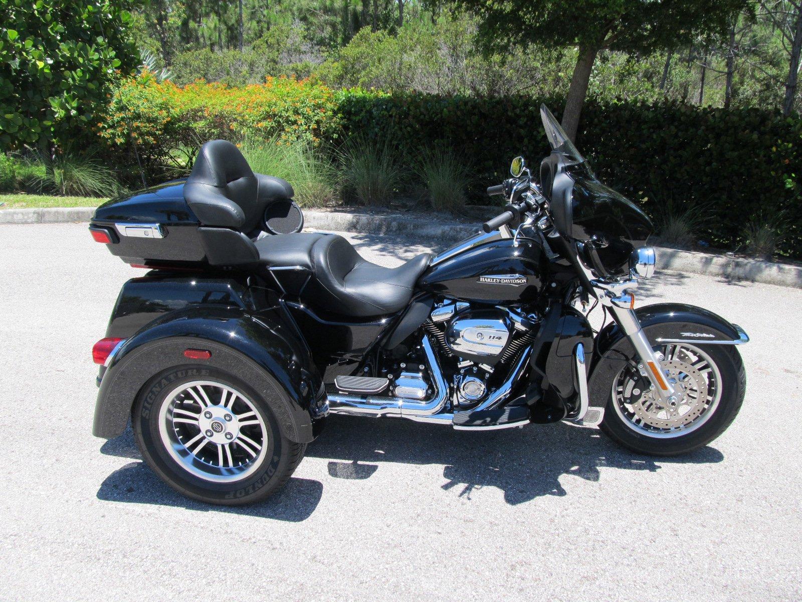 Pre-Owned 2020 Harley-Davidson Trike Tri Glide Ultra Classic FLHTCUTG
