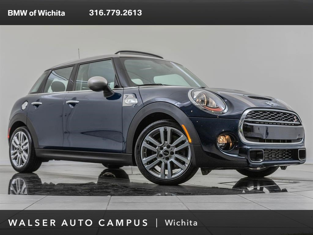Pre-Owned 2017 MINI Hardtop 4 Door Navigation, MINI Seven Edition & Premium Packages