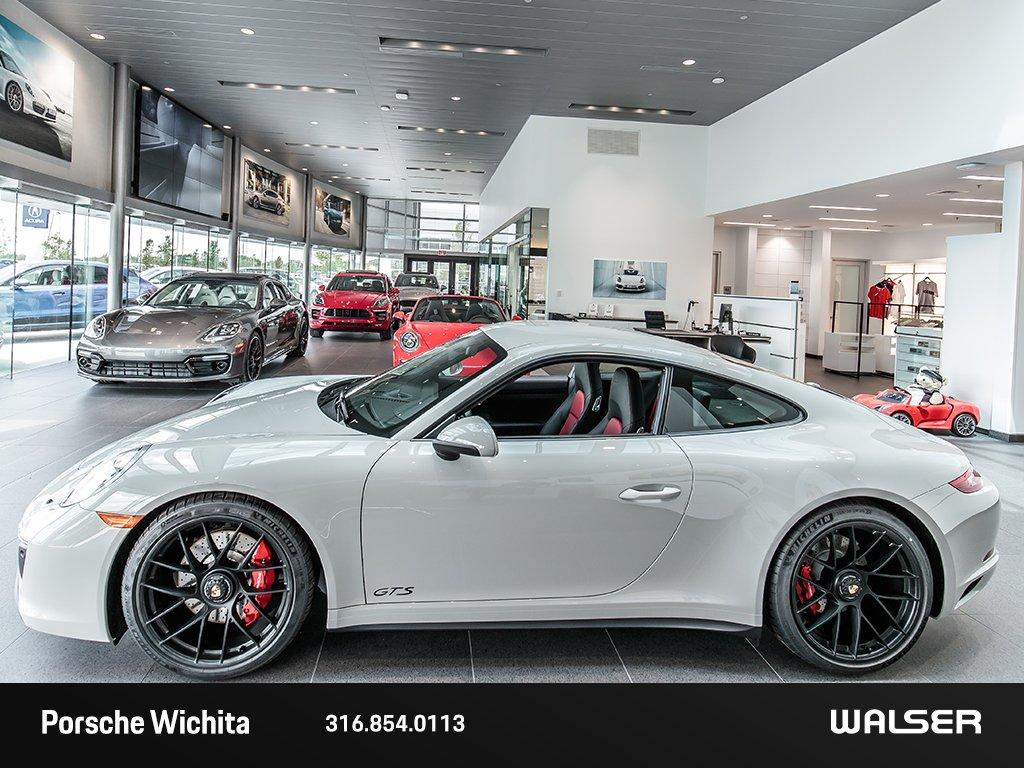 Pre-Owned 2017 Porsche 911