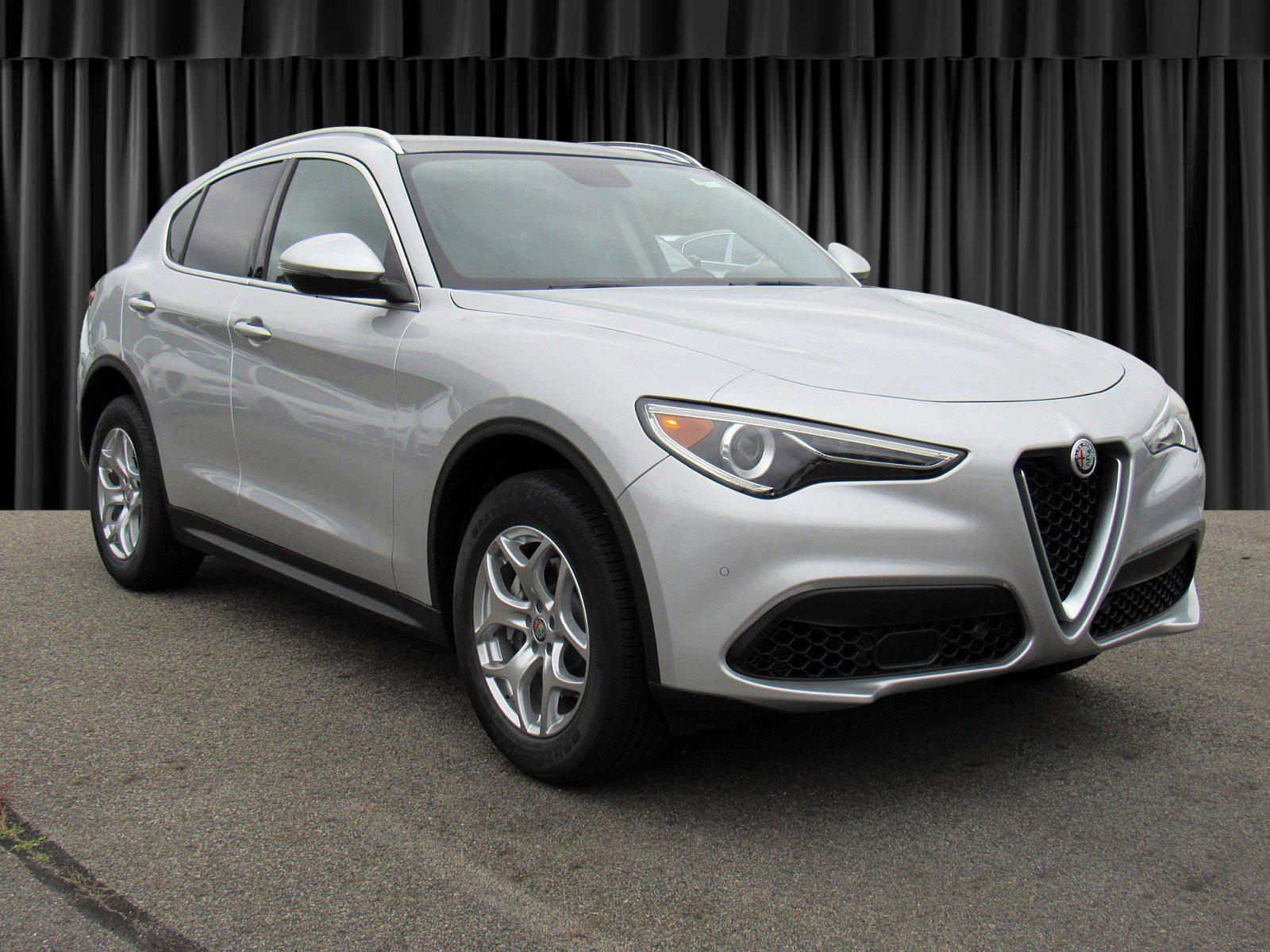 New 2019 Alfa Romeo Stelvio Base