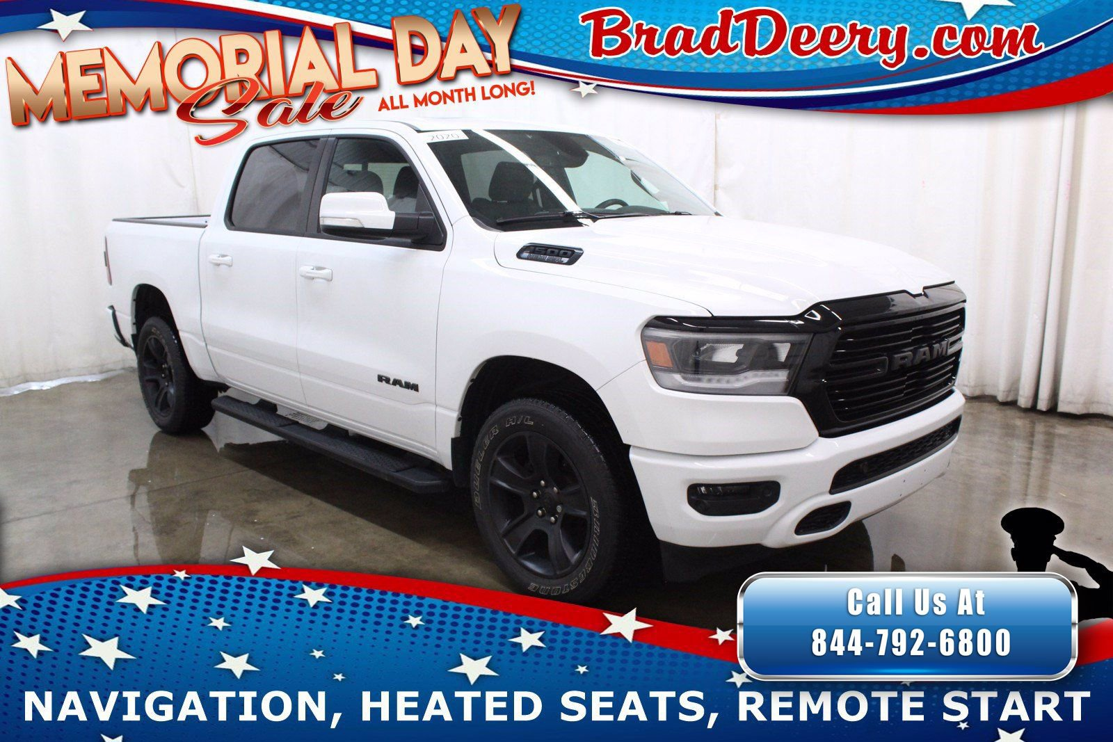 2020 Ram 1500 Big Horn Crew Cab 4x4 **NIGHT EDITION** w/ 12 T-Screen, Navigation, Sunroof, Htd Seats & R. Start