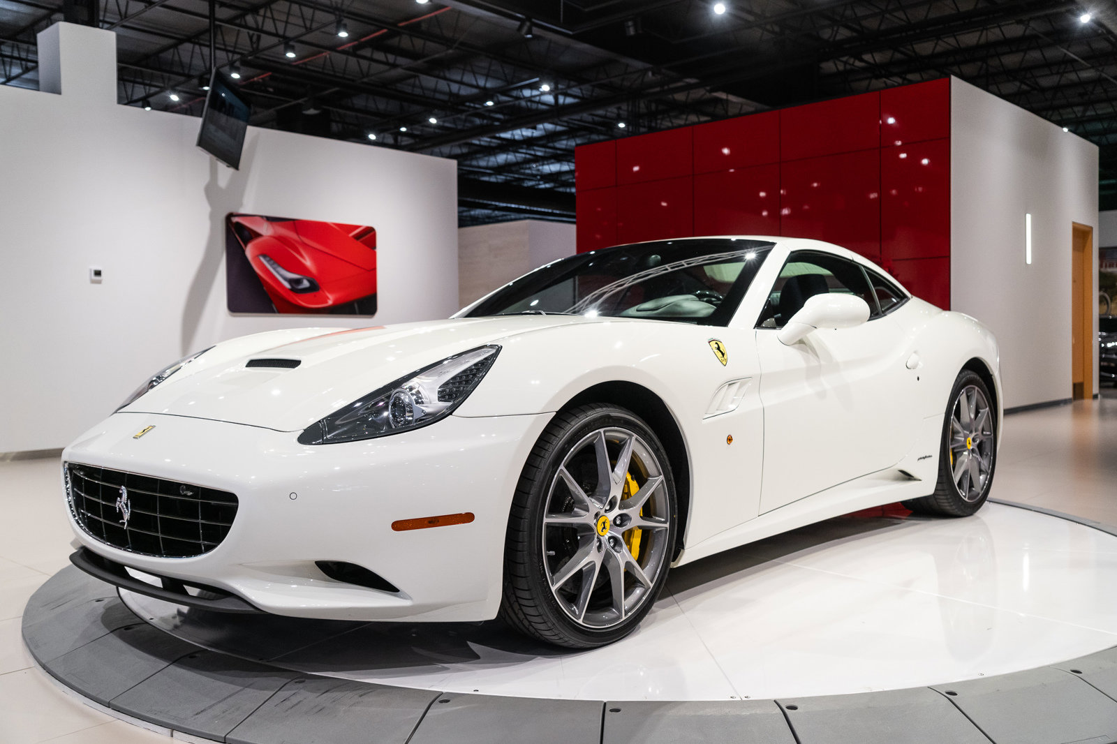 Certified Pre-Owned 2013 Ferrari California