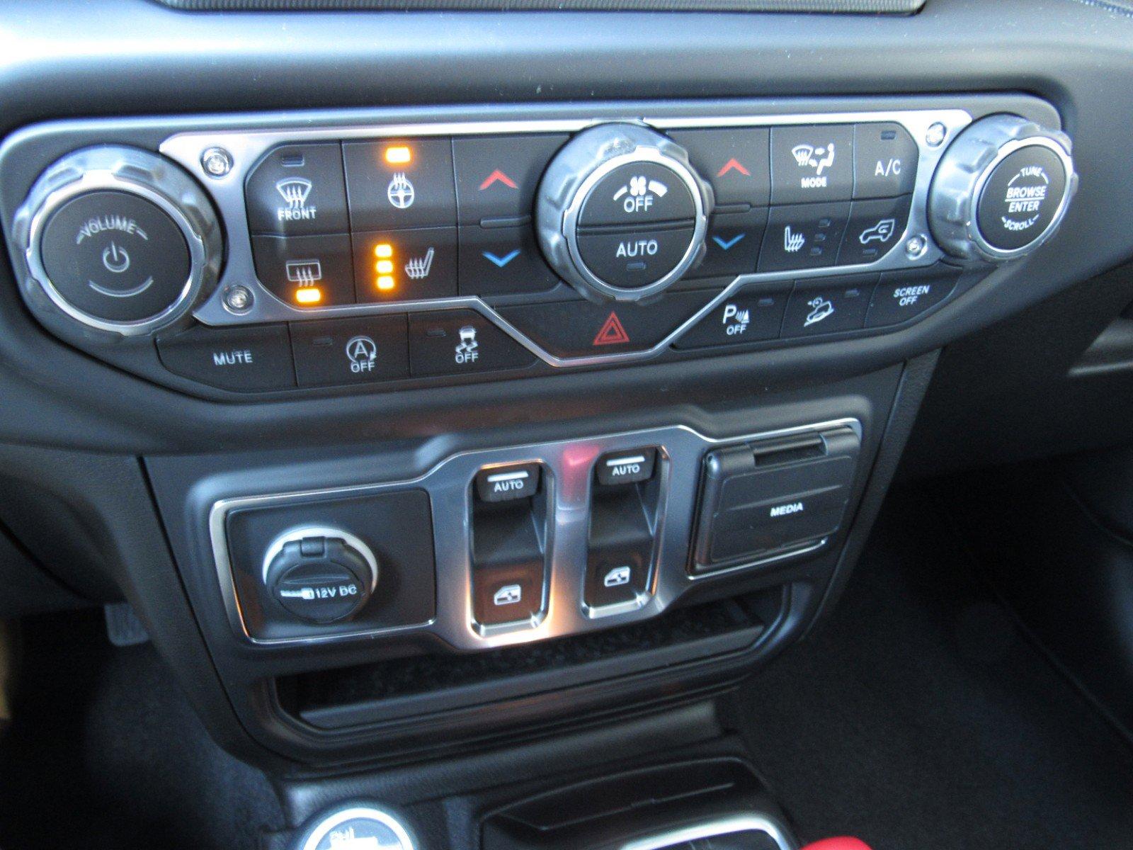 New 2019 Jeep Wrangler Sport S