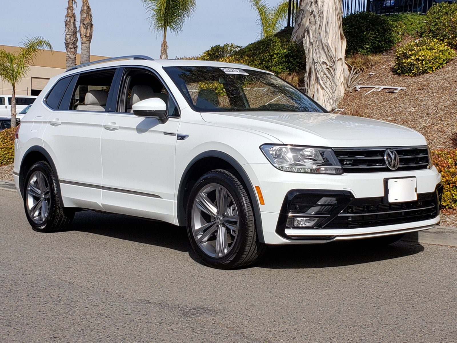 Vw Of Duluth >> Pre Owned 2019 Volkswagen Tiguan Sel R Line