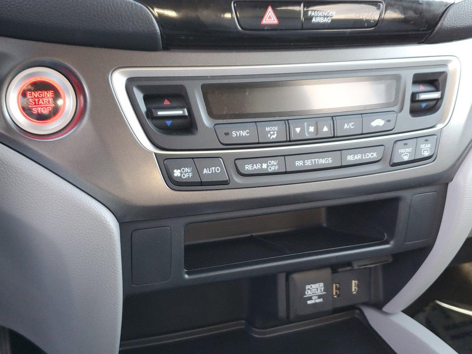 Pre-Owned 2018 Honda Pilot EX