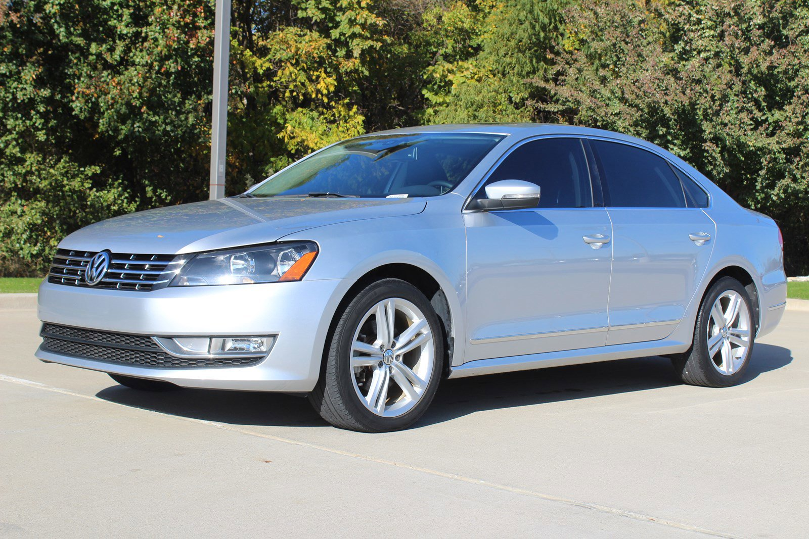 Pre-Owned 2013 Volkswagen Passat TDI SEL Premium
